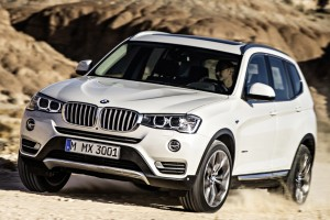BMW X3は高級車でありながら広いスペースが人気