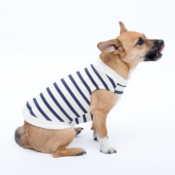 おしゃれで快適な犬用タンクトップ